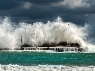 Gigantic waves break on the sea shore